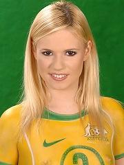 Australias Yasmine Gold naked